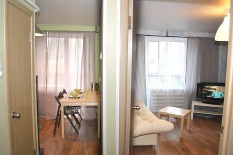 Сдается 1-комнатная квартира посуточно в Златоусте, проспект им Ю.А.Гагарина 1-я линия,.