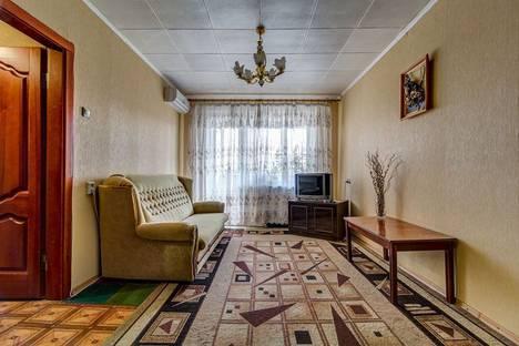 Сдается 2-комнатная квартира посуточнов Новомосковске, Калиновая 96.