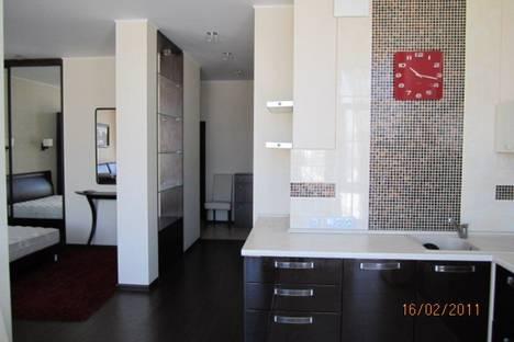 Сдается 1-комнатная квартира посуточно в Киеве, Героев Сталинграда 2г.