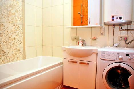 Сдается 2-комнатная квартира посуточнов Борисполе, ул. Туманяна, 3.