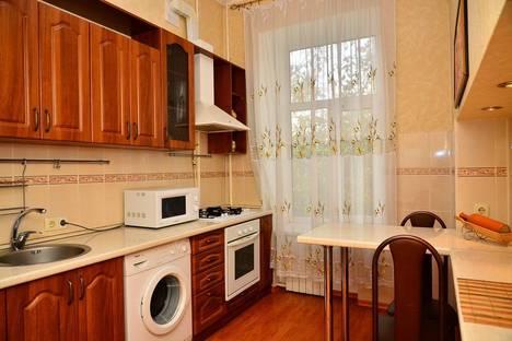 Сдается 2-комнатная квартира посуточно в Киеве, Большая Васильковская, 76б.