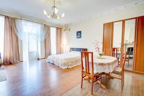 Сдается 1-комнатная квартира посуточно, Екатерининская 18.