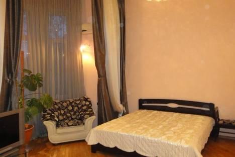 Сдается 1-комнатная квартира посуточно в Одессе, улица Льва Толстого 28.