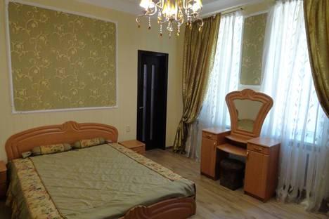 Сдается 2-комнатная квартира посуточнов Южном, Одесская область,Красная улица, Червона вулиця, 5.