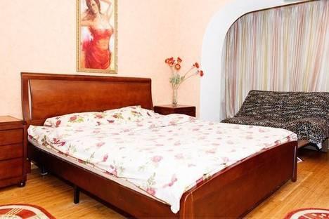 Сдается 2-комнатная квартира посуточнов Новомосковске, Комсомольская, 3.