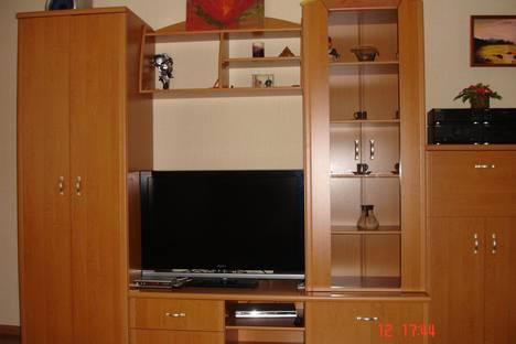 Сдается 2-комнатная квартира посуточно в Евпатории, Пр. Ленина, 56.