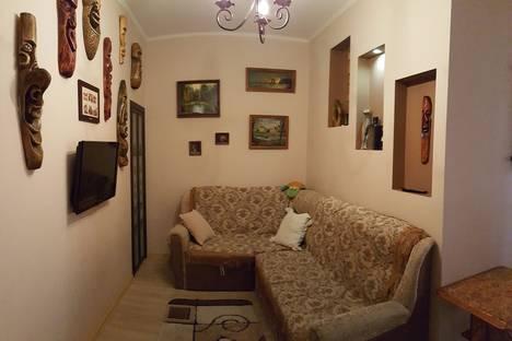 Сдается 2-комнатная квартира посуточно в Евпатории, Революция 64.