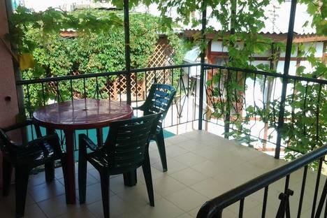 Сдается 1-комнатная квартира посуточно в Евпатории, ул.Санаторская 17.