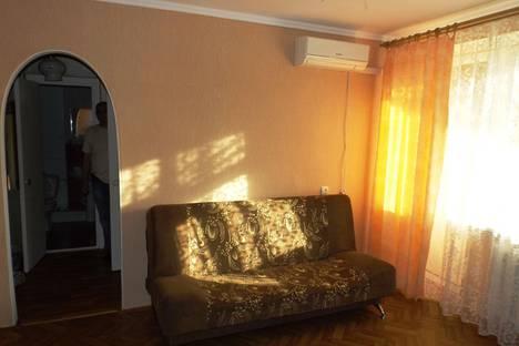 Сдается 1-комнатная квартира посуточно в Евпатории, ул.Дёмышева 108.