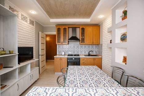 Сдается 2-комнатная квартира посуточно в Судаке, ул. Партизанская, 15.