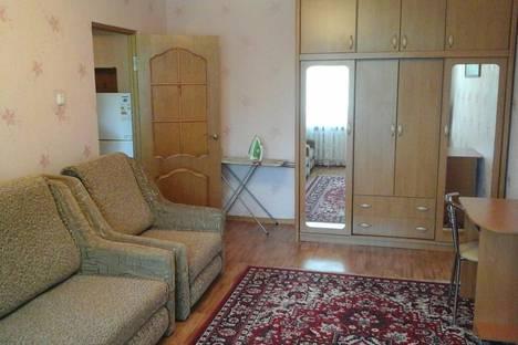 Сдается 1-комнатная квартира посуточно в Евпатории, ул. Перекопская д.10.