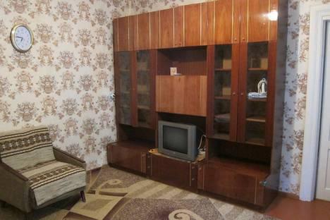 Сдается 2-комнатная квартира посуточнов Мирном, Тесный пер. д 7 с 01.05.