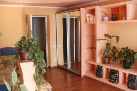 Сдается 2-комнатная квартира посуточно в Судаке, Октябрьская.