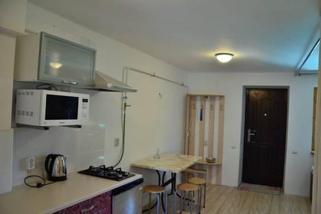 Сдается 2-комнатная квартира посуточно в Судаке, ул. Айвазовского.
