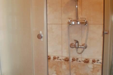 Сдается 2-комнатная квартира посуточно в Судаке, Ленина 45.