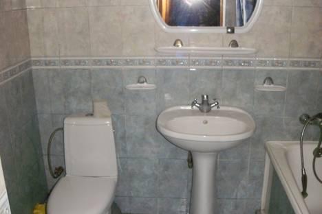 Сдается 2-комнатная квартира посуточно в Евпатории, ул. Фрунзе, 21.