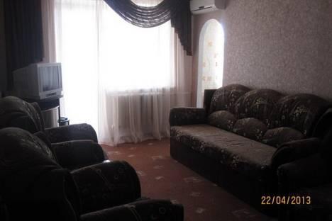 Сдается 3-комнатная квартира посуточно в Судаке, ул.Ленина,61.