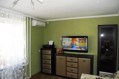 Сдается 2-комнатная квартира посуточно в Евпатории, ул.13 ноября 79.