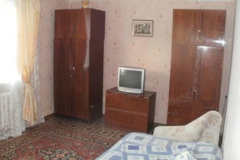 Сдается 2-комнатная квартира посуточно в Судаке, ул. Ленина.