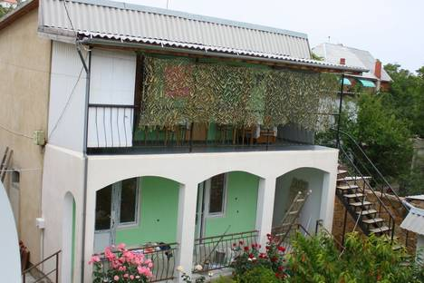 Сдается 5-комнатная квартира посуточно в Судаке, Бирюзовая 23.