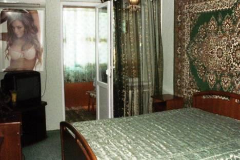 Сдается 3-комнатная квартира посуточно в Судаке, ул.Бирюзова 2/2.