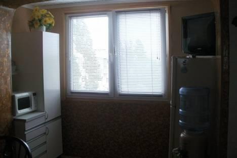 Сдается 2-комнатная квартира посуточно в Судаке, ул.Бирюзовая.