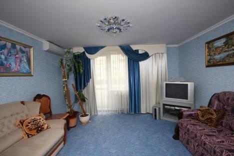Сдается 2-комнатная квартира посуточно в Евпатории, пр Победы, 40.
