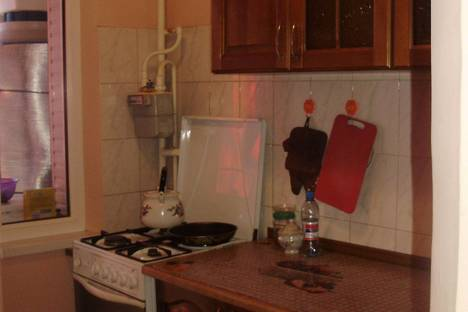 Сдается 2-комнатная квартира посуточно в Судаке, Мичюрина 4.