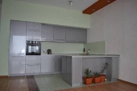 Сдается 2-комнатная квартира посуточно в Гурзуфе, ул. Строителей, 3а.