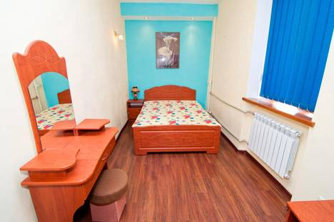 Сдается 2-комнатная квартира посуточнов Феодосии, Галерейная, 11.