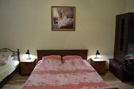 Сдается 4-комнатная квартира посуточно в Феодосии, пер. Краснофлотский 3.
