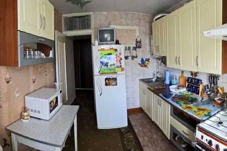 Сдается 1-комнатная квартира посуточно в Феодосии, ул. Крымская 27.