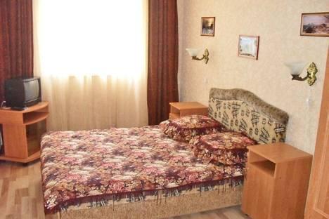 Сдается 2-комнатная квартира посуточно в Феодосии, ул. Железнодорожная 7.