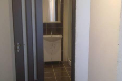 Сдается 2-комнатная квартира посуточно, пер. Танкистов, 18-а.
