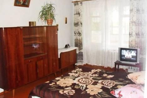 Сдается 2-комнатная квартира посуточно в Феодосии, ул. Федько 49.