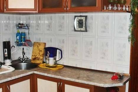 Сдается 2-комнатная квартира посуточно в Феодосии, ул. Чкалова 82.