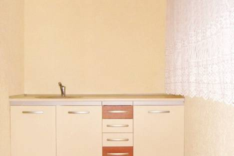 Сдается 1-комнатная квартира посуточно в Феодосии, Приморский, ул. Железнодорожная, 7.