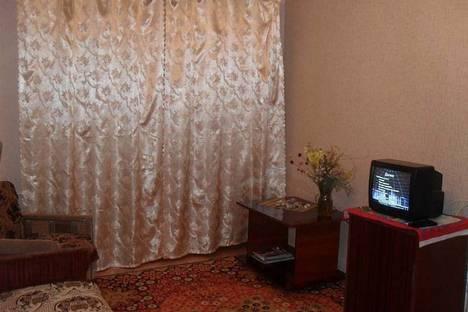 Сдается 2-комнатная квартира посуточно в Феодосии, бул. Старшинова 23.