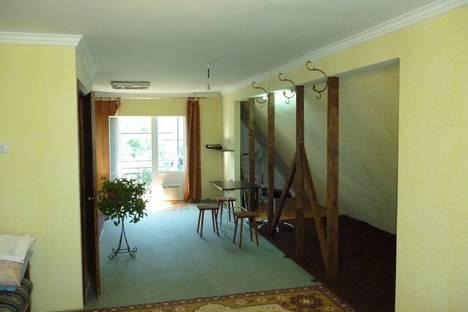Сдается 4-комнатная квартира посуточно в Феодосии, Крымская ул., 31.