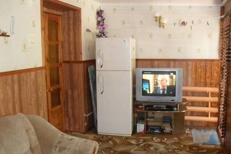 Сдается 2-комнатная квартира посуточно в Феодосии, Советская 14.