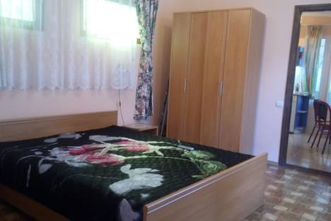 Сдается 1-комнатная квартира посуточно в Алупке, ул Калинина 30.