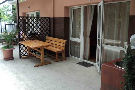 Сдается коттедж посуточно в Алупке, Ленина 15.