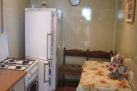 Сдается 2-комнатная квартира посуточно в Алупке, ул.Севастопольское шоссе.