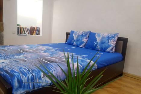 Сдается 2-комнатная квартира посуточно в Алупке, ул.Калинина 30.