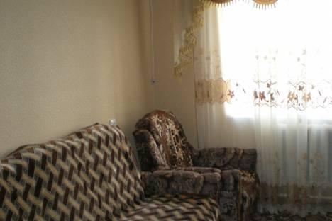 Сдается 2-комнатная квартира посуточно в Саки, ул. Курортная 27.