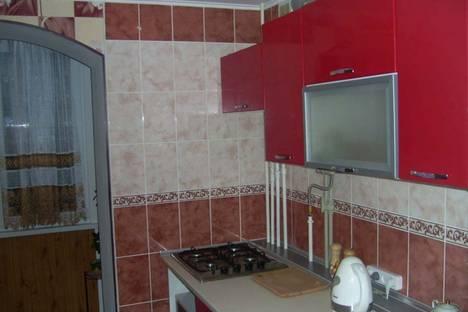 Сдается 2-комнатная квартира посуточнов Николаевке, Курортная,27.