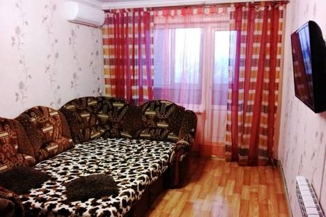 Сдается 2-комнатная квартира посуточно в Керчи, Орджоникидзе 90.
