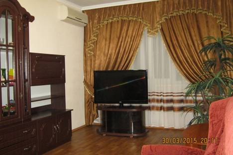 Сдается 2-комнатная квартира посуточно в Керчи, Орджоникидзе 117.