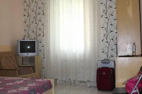 Сдается 1-комнатная квартира посуточно в Ялте, ул. Свердлова 8.