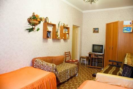 Сдается 2-комнатная квартира посуточно в Алуште, Виноградная, 26а.